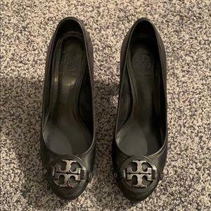 Used size 7.5 women's Tory Burch black heels